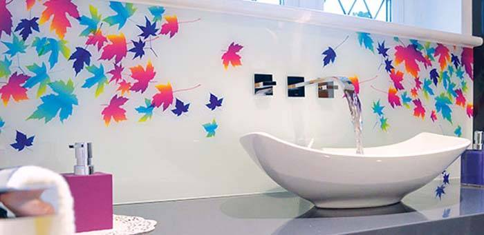 printed glass sink splahsback with maple leaves