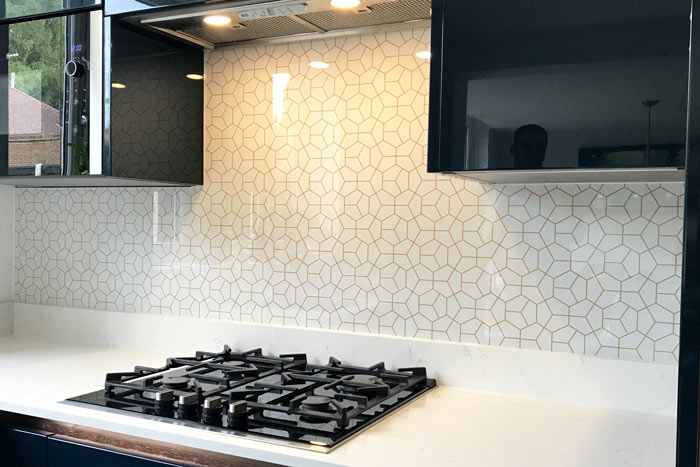 White and Gold Hexagonal Printed Pattern Splashback