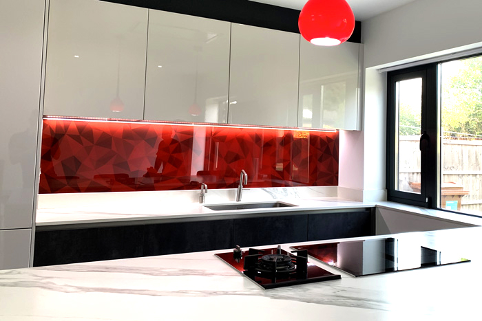 Red Abstract Patterned Splashback