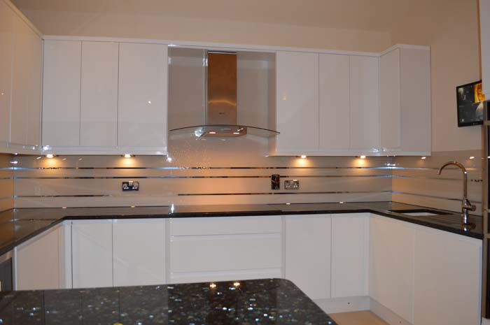 Antelope Striped Mirror Splashback (Project 5)