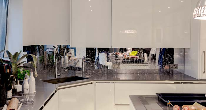 Droplets Liquid Mirror Splashback