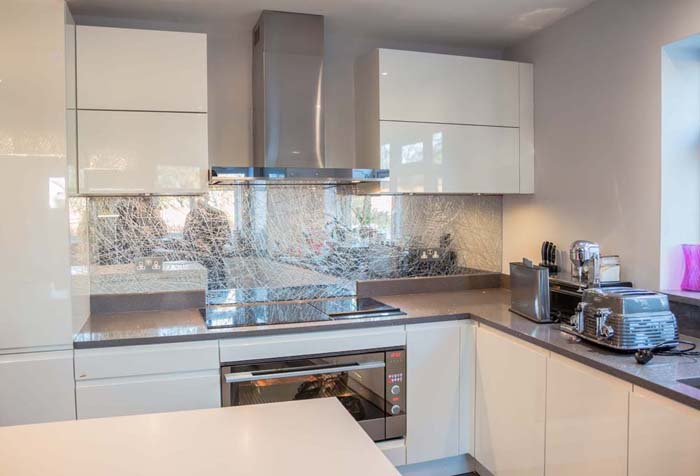 Mesh Liquid Mirror Splashback