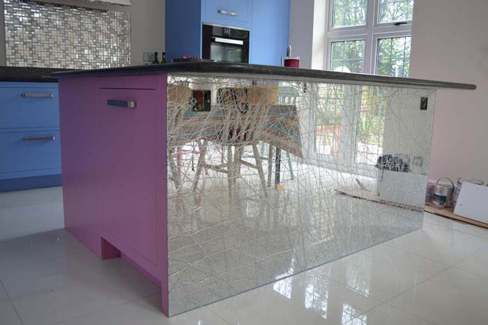 Mesh Liquid Mirror Kitchen Island
